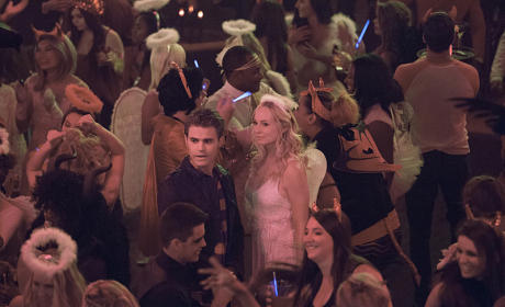 Steroline at a Party - The Vampire Diaries
