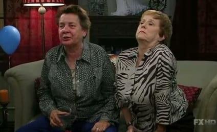 "It's Always Sunny in Philadelphia Review: ""Mac's Mom Burns Her House Down"""