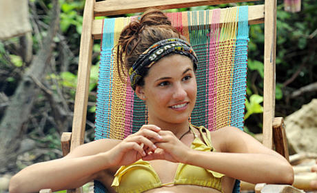 Natalie Tenerelli Relaxes At the Murlonio Camp