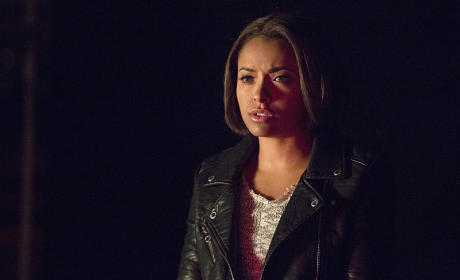 Still Stuck in 1994 - The Vampire Diaries Season 6 Episode 10