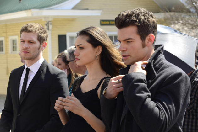 Hayley, Elijah and Klaus in Black
