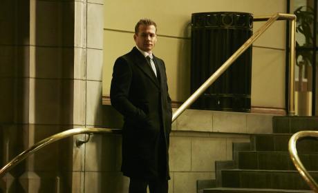 Desperate Times - Suits Season 6 Episode 1