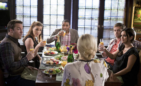 Hart of Dixie Photo Preview: Awkward Couples' Dinner