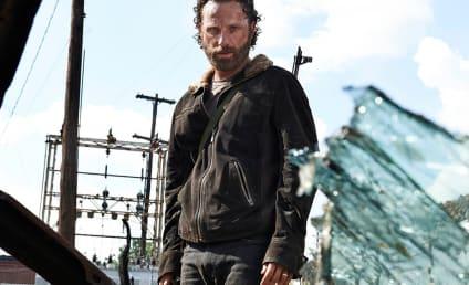 The Walking Dead Season 5 Cast Photos: Sexy Survivors