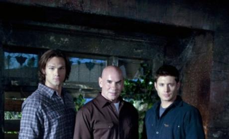 Supernatural to Parody Vampire Craze in Hollywood