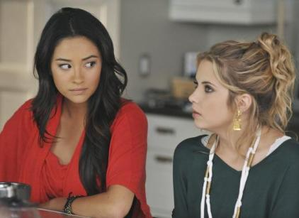 Watch Pretty Little Liars Season 2 Episode 16 Online