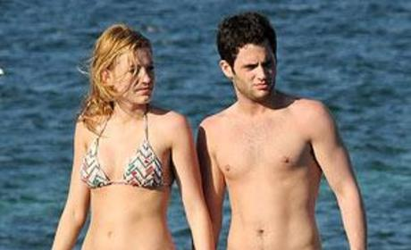 Penn Badgley Hearts Blake Lively