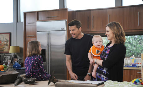 Bones Season Premiere Spoilers: Who's Missing? Who's Left in the Dark?