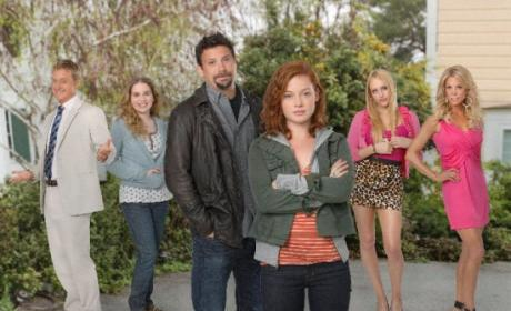 Suburgatory Shakes Up Cast: Who's Out?