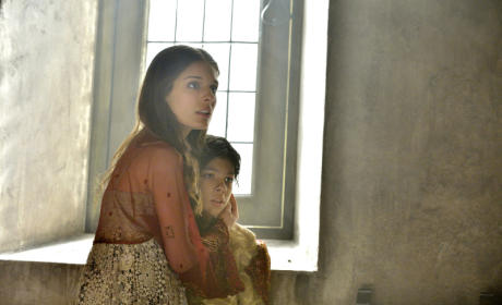 Reign: Watch Season 1 Episode 22 Online