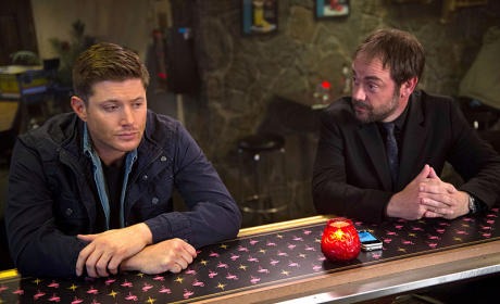 Crowley Talks to Dean - Supernatural