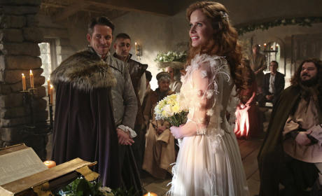 Once Upon a Time Promotes Sean Maguire and Rebecca Mader