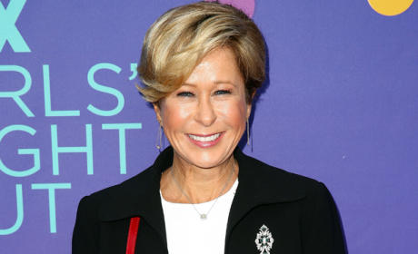 Yeardley Smith to Take Bribe on The Mindy Project Season 3