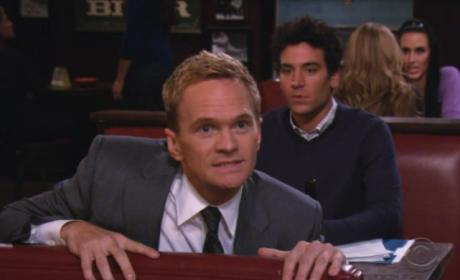 "How I Met Your Mother Review: ""Garbage Island"""