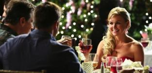 Laura Bell Bundy Checks In to Anger Management as New Series Regular