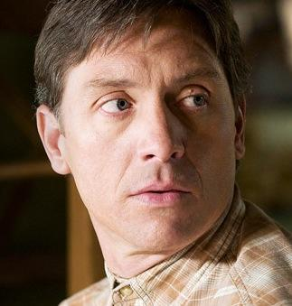 Shawn Doyle as Joey Henrickson