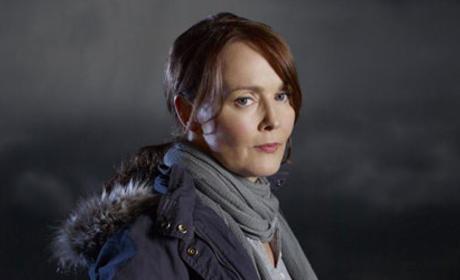 Laura Innes to Play Police Captain on Awake