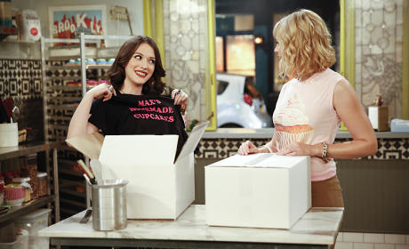 The T-Shirt Debacle - 2 Broke Girls