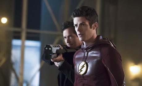Aiming - The Flash Season 2 Episode 23