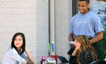 90210 Actors Rehearse at The Peach Pit