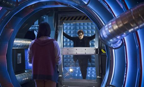 The Flash Season 2 Episode 17 Review: Flash Back