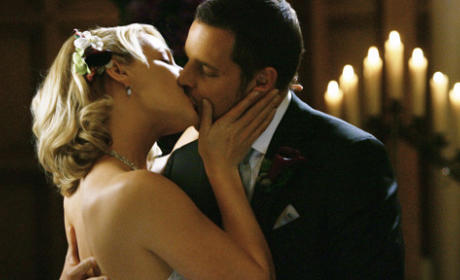 Izzie and Alex Kiss