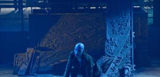 Strigoi and Coffin - The Strain Season 1 Episode 13