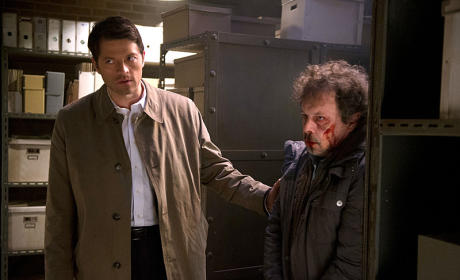Castiel in Charge - Supernatural Season 10 Episode 10
