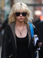 Taylor Momsen Keeps it Casual