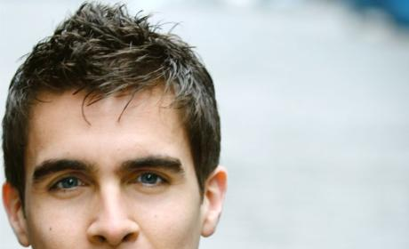 Josh Segarra Joins Cast of Sirens