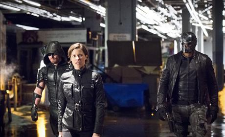 In charge - Arrow Season 4 Episode 21