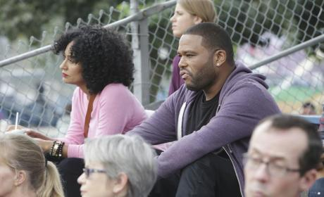 Black-ish Season 1 Episode 9 Review: Colored Commentary