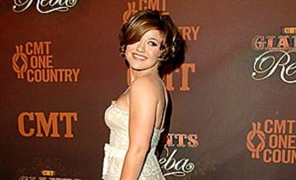 Kelly Clarkson Shows Off Her Southern Charm