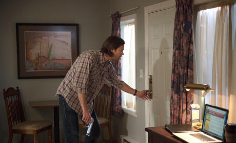 Knock Knock - Supernatural Season 10 Episode 12