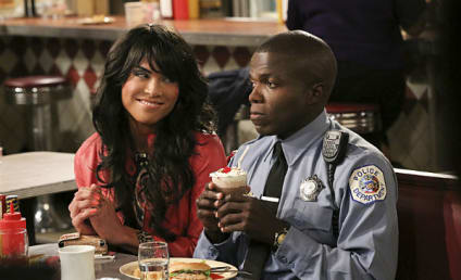 Reno Wilson Interview: Will Carl Find Love on Mike & Molly?