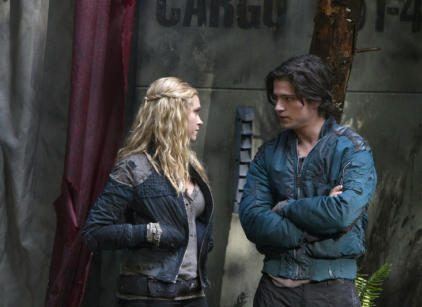 Watch The 100 Season 1 Episode 9 Online