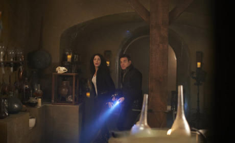 Warehouse 13 Review: Full-Artifact Alchemy
