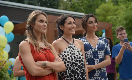 Girlfriends' Guide to Divorce Season 1 Episode 7 Review: Rule #67