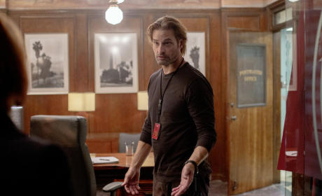 Colony Season 1 Episode 2 Review: A Brave New World