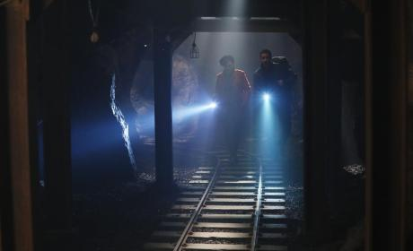 Searching the Tunnels - Once Upon a Time Season 4 Episode 14