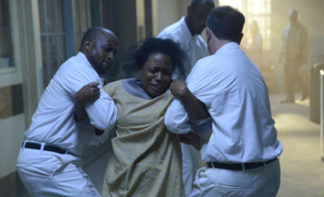 Mama Mills Dragged Away - Sleepy Hollow Season 2 Episode 9
