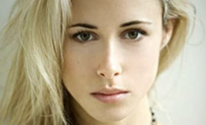 Gillian Zinser Cast as Ivy on 90210