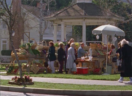 Watch Gilmore Girls Season 2 Episode 17 Online
