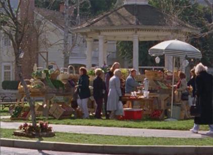 Watch Gilmore Girls Season 2 Episode 17 Online