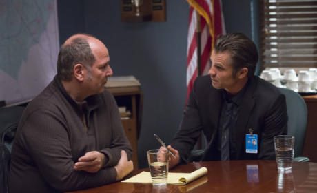 Justified Review: Stab Me In The Back