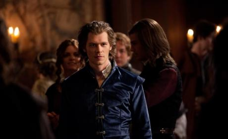 The Vampire Diaries Photo Preview II: The Real Klaus Cometh!