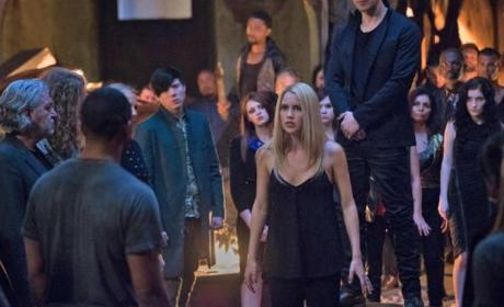 The Originals Season 3 Episode 22 Review: The Bloody Crown