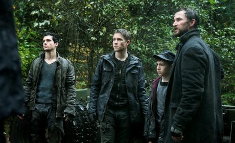 Falling Skies Review: Who Can You Trust?