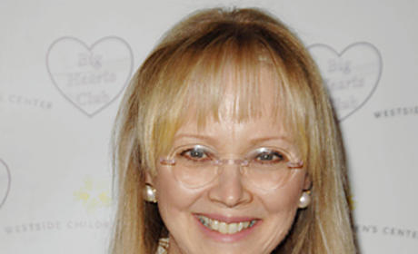 Shelley Long Becomes Part of Modern Family