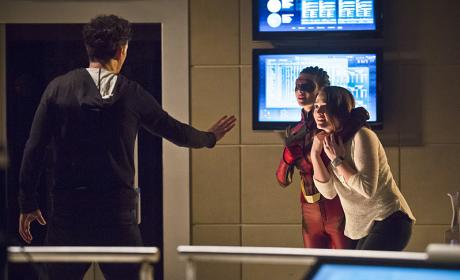 Watch The Flash Online: Season 2 Episode 16
